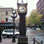 Dampfbetriebene Uhr in Gaston